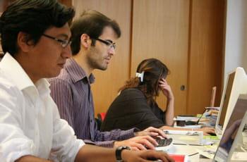 une partie de l'équipe de ohmymode.com au travail