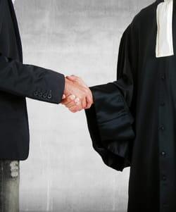 un avocat connait les faiblesses de son client.