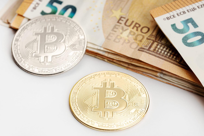 Monnaie fiduciaire: définition, traduction