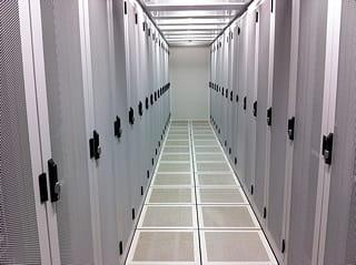 intérieur d'un data center d'outscale.