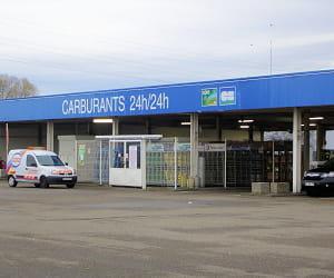 le prix du gazole dans les stations cora a baissé de 2,33% en 2009.