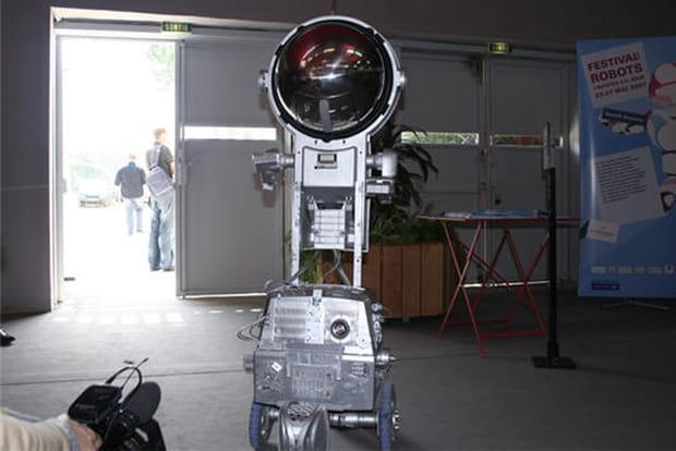 Robot cosmonaute
