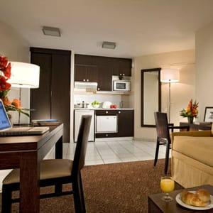 l'hôtellerie traditionnelle peine a remplir ses chambres en semaine, pas les