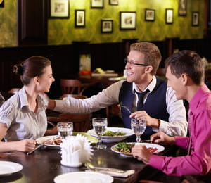 organisez des rencontres avec vos connaissances.