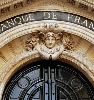 entrée de la banque de france.