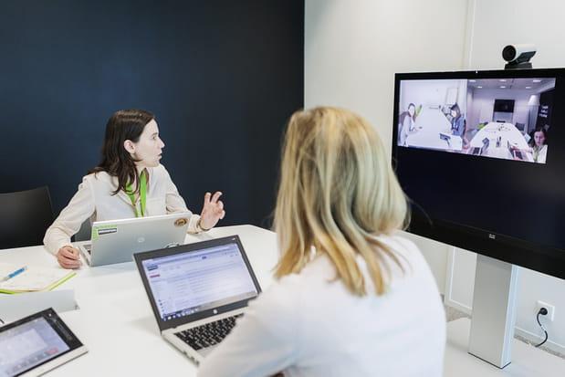 Des managers en étroite collaboration