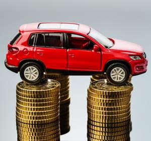 par temps de crise, l'acte d'achat d'une voiture est souvent reporté.