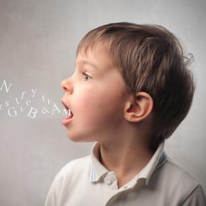 les poèmes appris par cœur enfant restent durablement en mémoire.