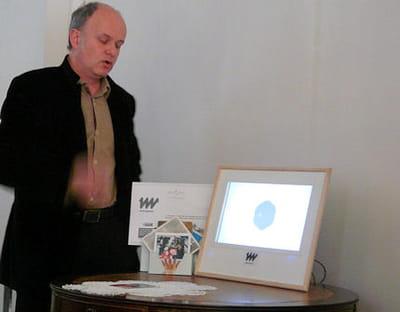 yves-armel martin, le directeur du centre erasme, présente le web napperon.