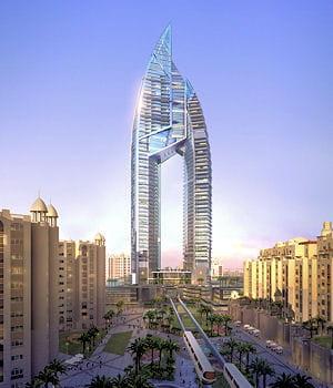 la construction de la trump international hotel& tower a été arrêtée.