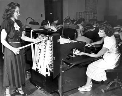 des employées du département contrôle en 1940.