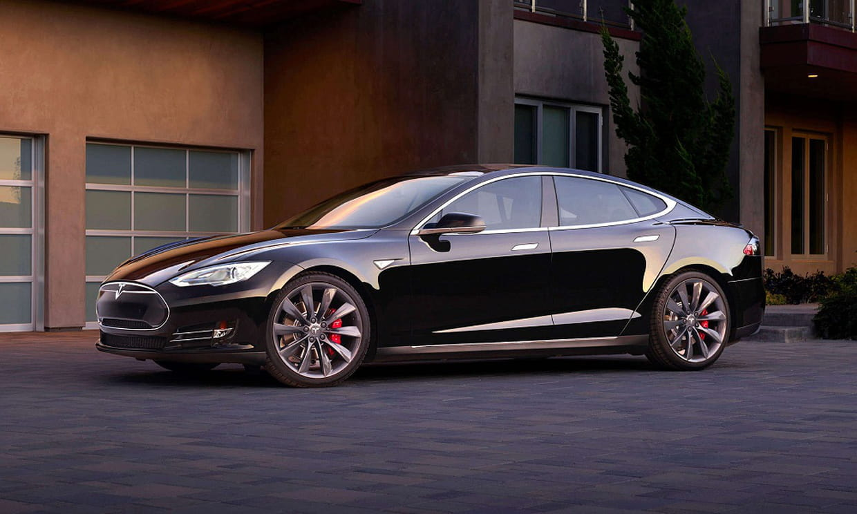 la tesla model s partir de 77 000 euros d 39 occasion. Black Bedroom Furniture Sets. Home Design Ideas