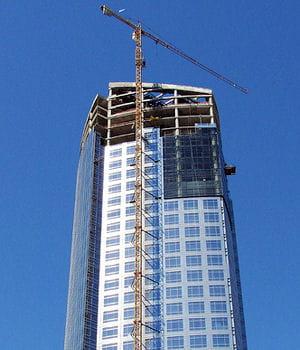 la construction de la tour costaneraà santiago s'est arrêtée à cause de la