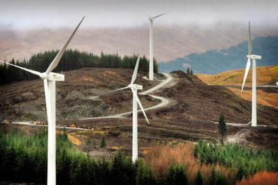pour se protéger d'une opa, iberdrola renovables a massivement investi, avec par