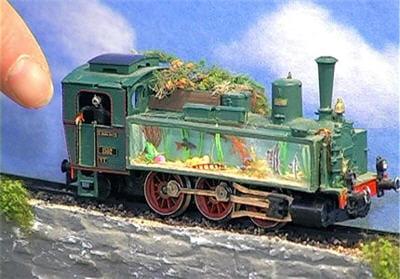 troislocomotives ont été nécessaires pour tracter près de 1 000 wagons !