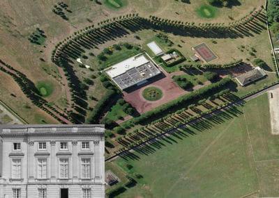 une vue aérienne de la villa du golf.