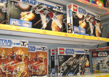 le service marketing de lego aide les magasins à optimiser leur assortiment.