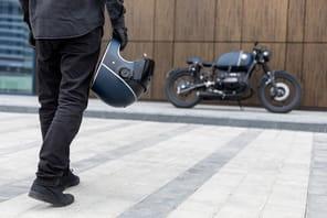 La moto, une niche pour clients pressés et fortunés chez les VTC