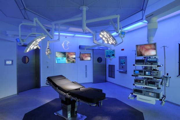 La Colline, salle d'opération