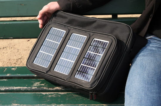 On a testé la sacoche solaire