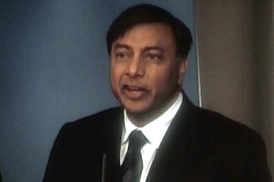 """""""Mittal, la face cachée de l'empire"""": deux extraitsinédits du documentaire"""