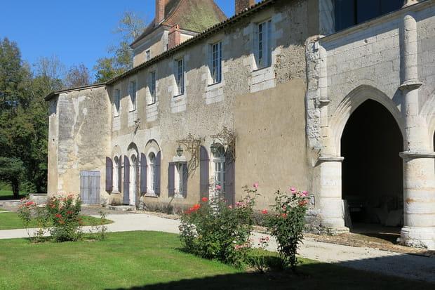 ... sur les vestiges d'un ancien monastère