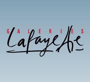 les galeries restent étroitement liées à la mode parisienne.