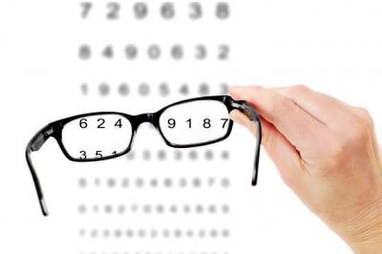 Le gouvernement va lever les barrières à la vente en ligne de lunettes