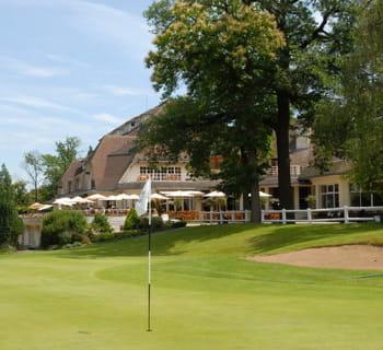 très privé, le golf de saint-cloud est réservé aux membres et à leurs invités.