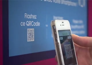 l'utilisateur scanne le qr code de la borne pour en prendre le contrôle avec son