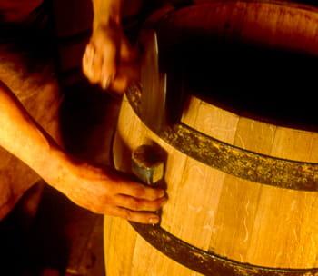 la tonnellerie fabrique en france 50 000 barriques par an.