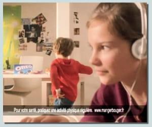 la publicité française d'oreo cible tout particulièrement les mamans.