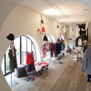 le magasinmerci à paris est une boutique éclectique où se côtoient objets neufs