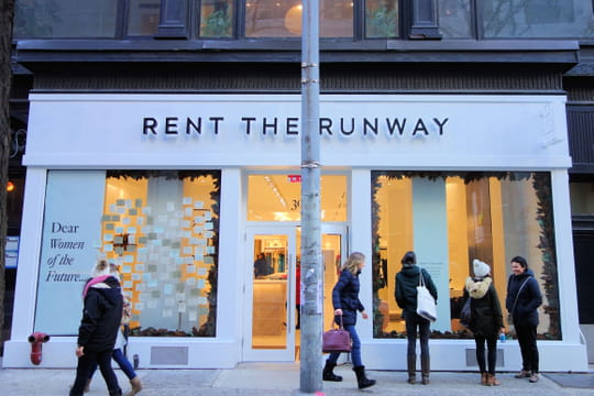 Rent the Runway réinvente la location de robe dans son showroom newyorkais
