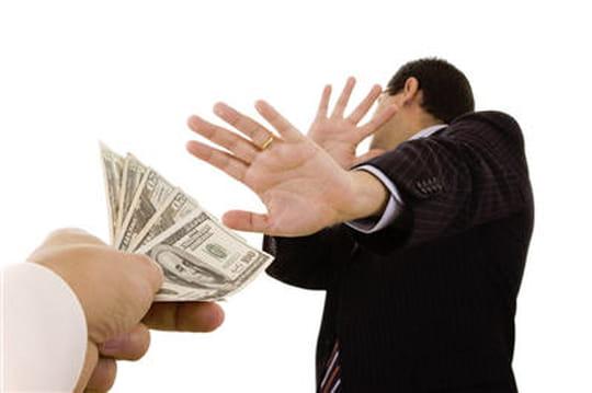 Rachat de Dell: Michael Dell s'attire les foudres du marché