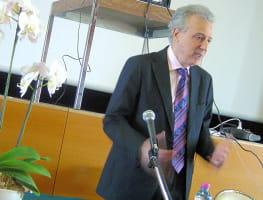 l'ouverture des etats généraux du surpoids par le docteur pierre dukan en2008.