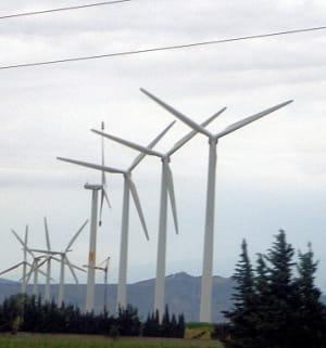 des éoliennes.