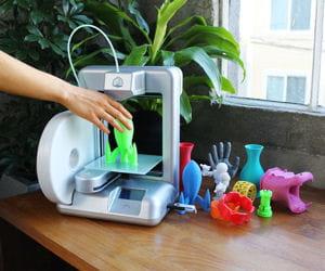 cubify commercialise une imprimante 3d pour le grand public.