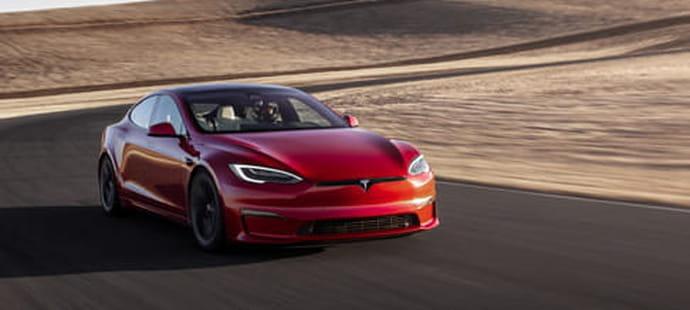 Tesla: les chauffards privés de conduite autonome