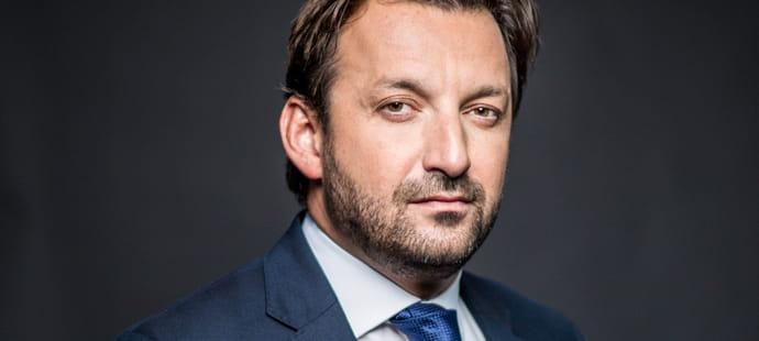 """Karim Ferchiou (Voitures Noires):""""Les chauffeurs de VTC font plus de 90% de leur chiffre d'affaires avec Uber"""""""