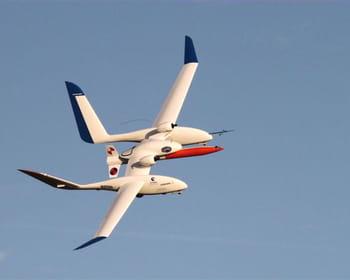 le drone lanceur de fusée.