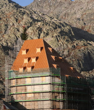 la façade stamisol peut être combinée avec tous types de matériaux, comme des