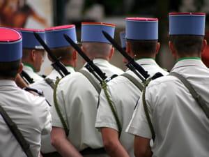 le programme 'préparation et emploi des forces' coûte 21,5 milliards d'euros.