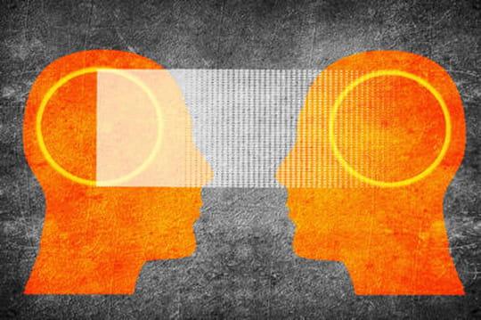 Pour Mark Zuckerberg, l'intelligence artificielle, la télépathie et la réalité virtuelle sont pour demain