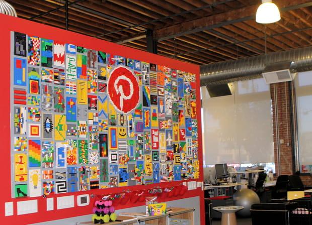 Un tableau en Legos pour matérialiser le concept Pinterest