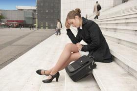 femme d'affaires exclue