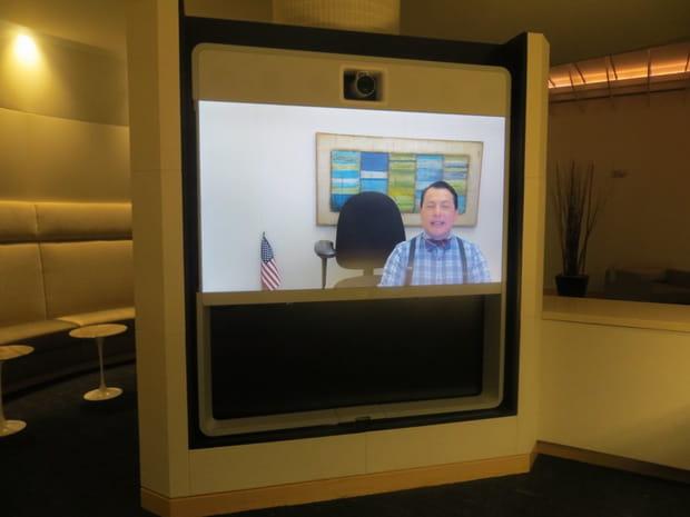 Des écrans d'accueil à la place des réceptionnistes
