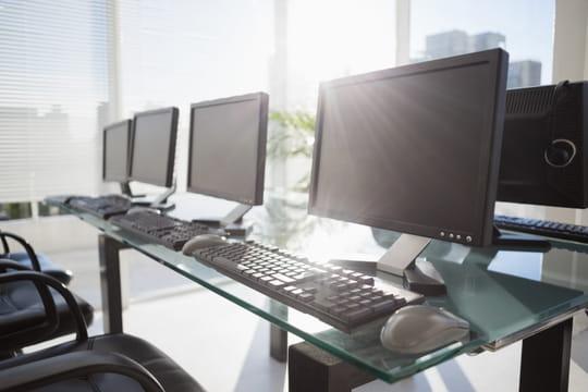 Le marché mondial du PC baisse encore, mais moins que prévu
