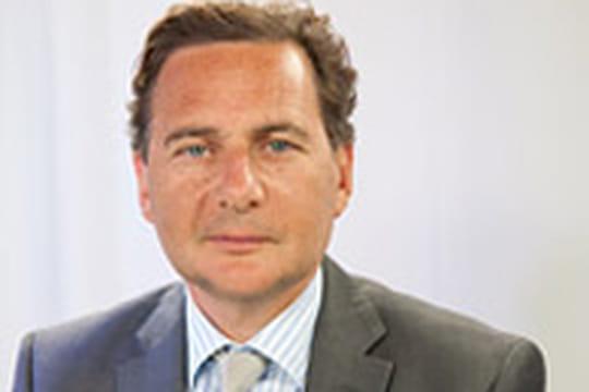 4G : Eric Besson s'oppose à Free sur le paiement de la licence