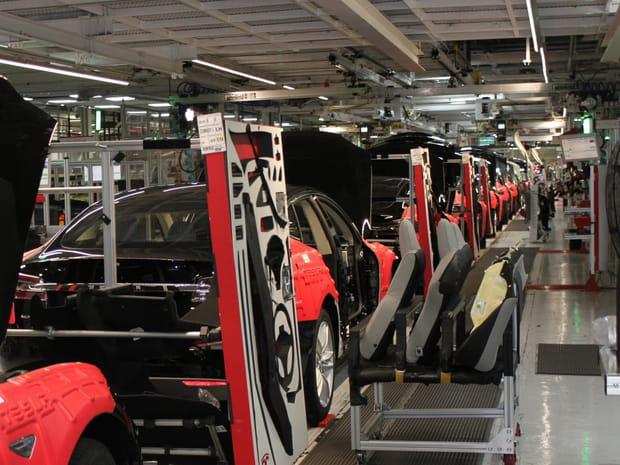 Une Model S sans intérieur